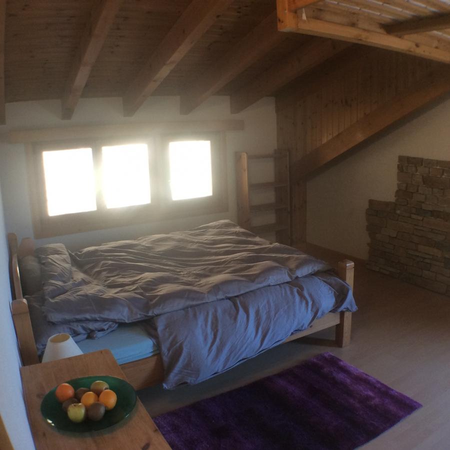 Chambre à lit double et mezzanine :: Office du tourisme de Savièse ...